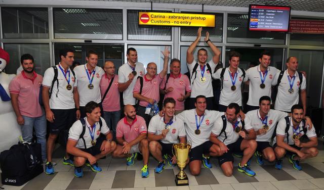 Finally home / Šampioni stigli kući