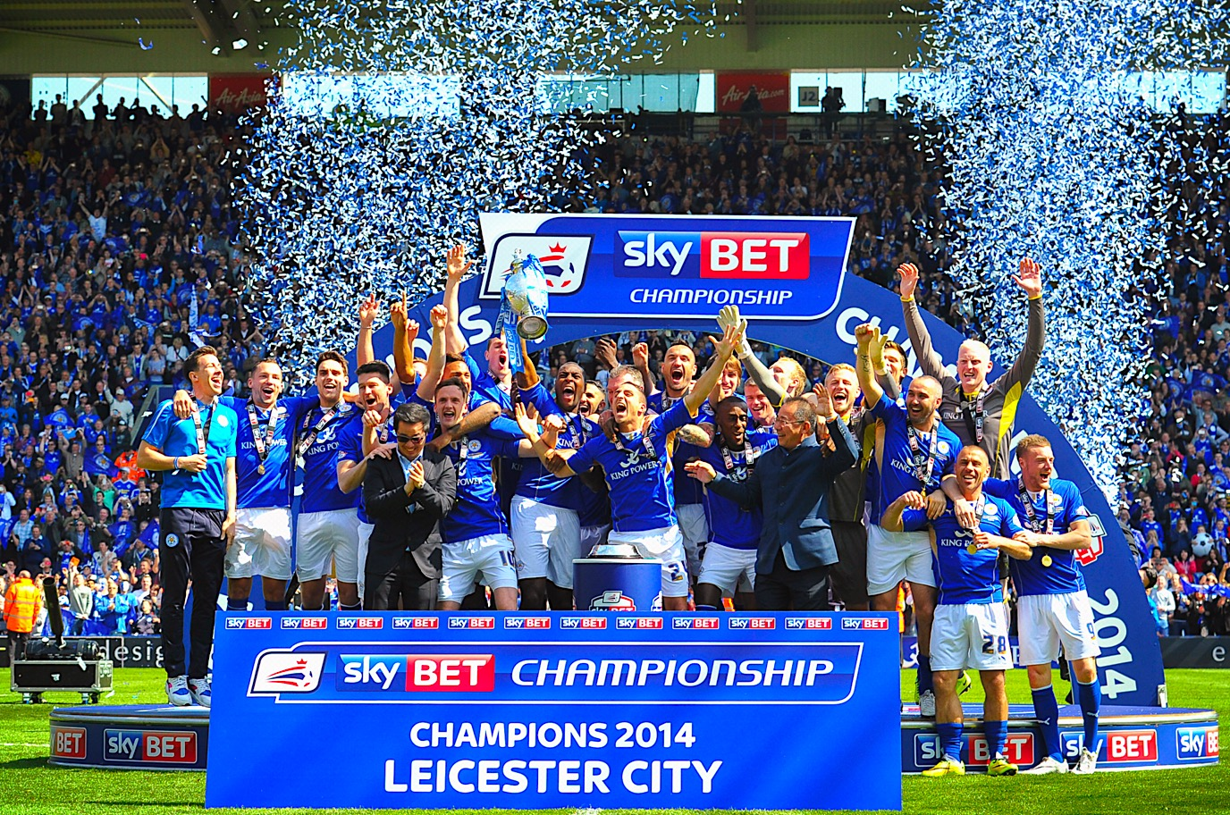 Leicester crowned kings